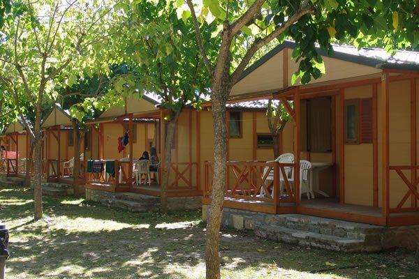 Camping Peña Montañesa bungalows